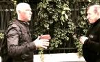 Défense et formation : Se dégager d'un étranglement en gardant ses distances, frapper les mains et riposter à la gorge avec poing ou avant-bras (Version 1) par Jean-Noël Naturel