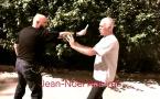 Penchak Silat : Parer un coup de couteau avec un bâton 2 par Jean-Noël Naturel et Remy Gast